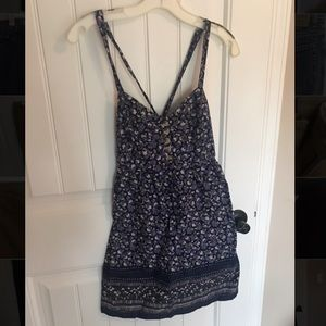 Aeropostale purple flowered dress with buttons